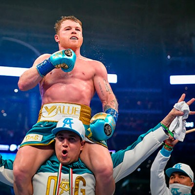 CANELO BREAKS DOWN SAUNDERS, FORCES HIM TO QUIT AFTER 8TH ROUND