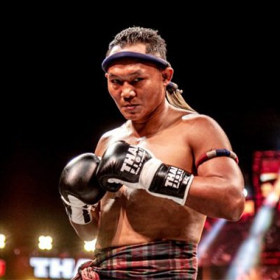 SAENCHAI DEFEATS  CANGELOSI IN THE REMATCH